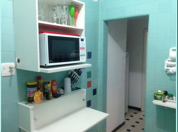 EasyQuarto BR - Quarto pequeno em apartamento no Flamengo, Flamengo - R$ 1.000 Por mês
