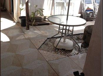EasyQuarto BR - Suíte &cozinha, Maceió - R$ 650 Por mês