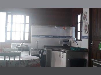 EasyQuarto BR - Coqueiros lindo quarto individual para rapaz estudante , Florianópolis - R$ 750 Por mês
