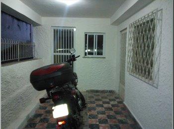 EasyQuarto BR - ALUGO casa Engenho Novo próximo ao Grajaú, Rio de Janeiro - R$ 1.200 Por mês