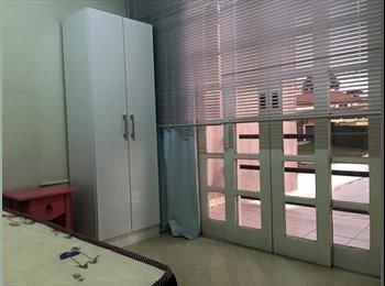 EasyQuarto BR - quarto todo mobiliado individual direto com proprietário em curitiba , Curitiba - R$ 399 Por mês