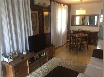 EasyQuarto BR - CANASVIEIRAS - Quarto em casa mobiliada, Florianópolis - R$ 850 Por mês