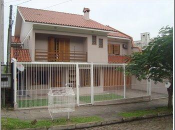 EasyQuarto BR - Quartos compartilhados em casa de alto padrão, Porto Alegre - R$ 600 Por mês