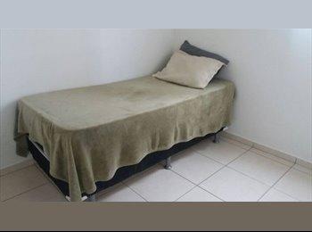 EasyQuarto BR - Quarto disponível próximo as faculdades Unitri e Pitágoras , Uberlândia - R$ 500 Por mês