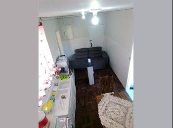 EasyQuarto BR - Alugo Quarto Diferenciado Centro Joinville, Joinville - R$ 550 Por mês