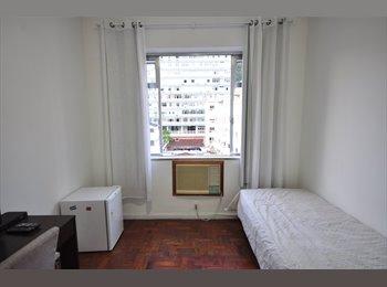 Quarto confortável próximo ao metro e praia em Ipanema
