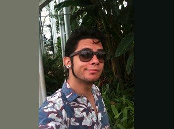 Thiago Cesar  - 26 - Estudante