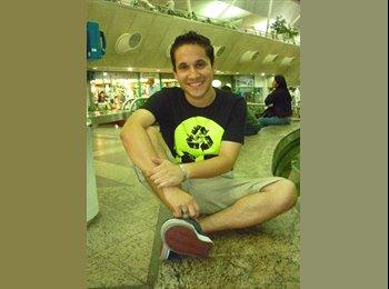 Vitor - 27 - Estudante