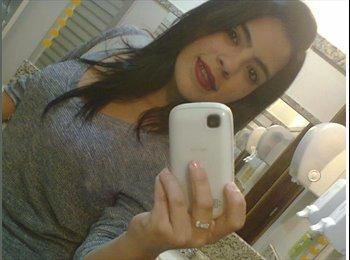 Ingrid  - 19 - Estudante
