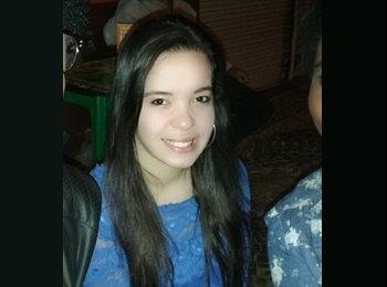 Camila  - 22 - Estudante