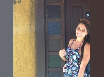 Marcia  - 21 - Estudante