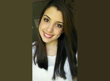 Amanda  - 21 - Estudante
