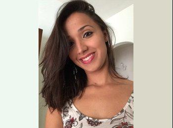 Vanessa - 29 - Estudante