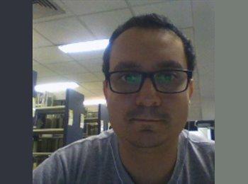 Alexandre - 28 - Estudante