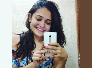 Catarina Xavier Santos - 18 - Estudante