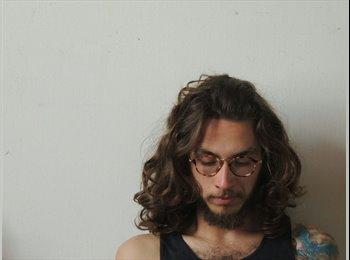 Pedro  - 21 - Estudante