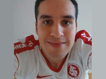 Eduardo Santos Costa - 18 - Estudante