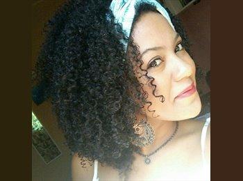 Gabriela - 19 - Estudante