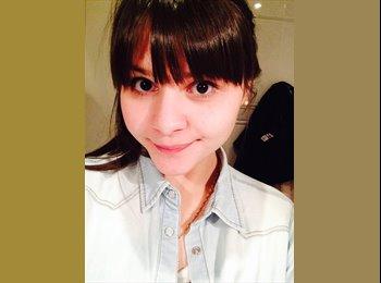 Mariana Nunes - 22 - Estudante