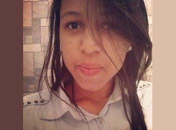 Beatriz - 19 - Estudante
