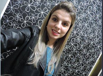 Nathalia - 19 - Estudante