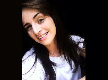 Luana Cassimiro Bispo - 21 - Estudante