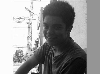 Thawan - 19 - Estudante