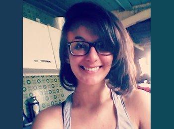 Gabriella - 23 - Estudante