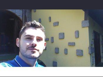 Reynaldo Costa Gusmão - 26 - Profissional