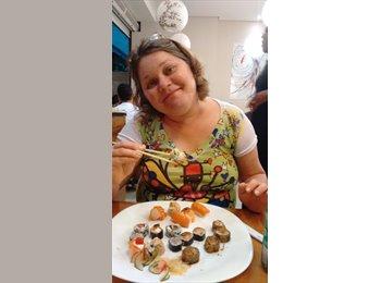 Cláudia Moreira - 50 - Profissional