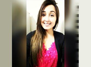 Karla Caetano Melo - 23 - Estudante