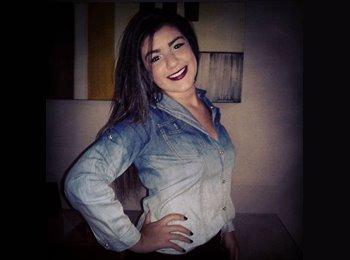 EasyQuarto BR - Lorena Almeida Sena  - 18 - Uberlândia