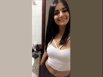 Layane  - 18 - Estudante