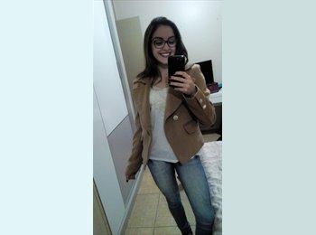 Natália de Borba Nunes - 20 - Estudante