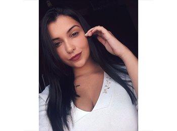 Julia Gomes  - 21 - Estudante