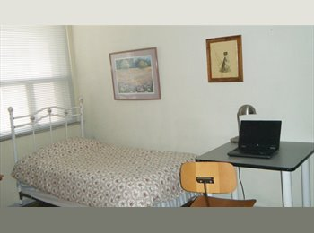 EasyRoommate CA - Clean Room in Central Toronto - Yonge & Eglinton, Toronto - $600 pcm