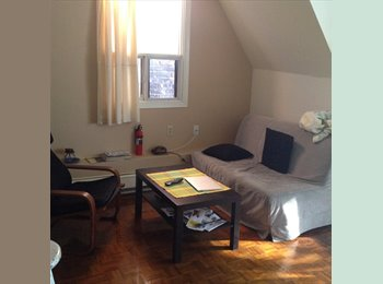 EasyRoommate CA - share with only 1pers, clean,bright,comfy - West Queen West, Toronto - $760 pcm