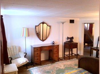EasyRoommate CA -  ~Very spacious/clean/cozy/furnished funky 1000 sq. foot  suite~ - Renfrew - Collingwood, Vancouver - $1,000 pcm