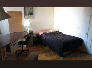 EasyRoommate CA - Belle Chambre/ Great Room  dans/in   6 1/2 MileEnd - Le Plateau-Mont-Royal, Montréal - $500 pcm