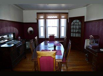 EasyRoommate CA - Room to rent / Chambre à louer - 7(1/2) Plateau - Le Plateau-Mont-Royal, Montréal - $530 pcm