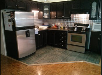 EasyRoommate CA - Nice and brigth bedroom with nice view (old port) - Centre Ville, Montréal - $680 pcm