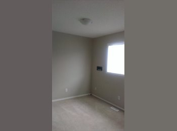 S.E Rooms TO RENT
