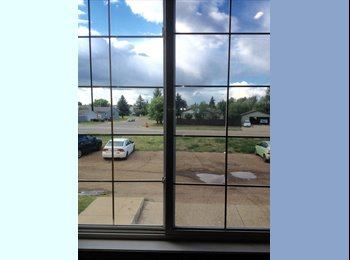 EasyRoommate CA - MASTER BEDROOM WITH PRIVATE ATTACHED 4PCS BATHROOM - Edmonton, Edmonton - $800 pcm