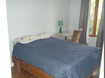 EasyRoommate CA - Plateau Chambre meublée Furnished room - Le Plateau-Mont-Royal, Montréal - $585 pcm
