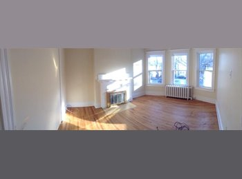 EasyRoommate CA - Bedroom for rent - less than a 5 minute walk to Dalhousie - Halifax South End, Halifax Area - $625 pcm