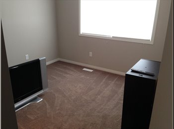 EasyRoommate CA - SW modern townhouse. one bedroom with its own bathroom and large walk in closet - South West, Edmonton - $750 pcm