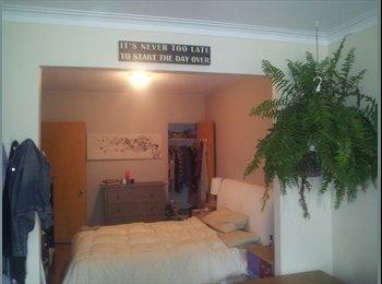 EasyRoommate CA - comfortable furnished 3.1/2 next to jean talon metro - Villeray - Saint-Michel - Parc-Extension, Montréal - $640 pcm