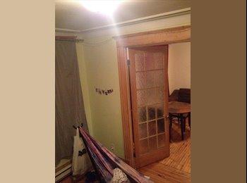 EasyRoommate CA - Charmant 4 1/2 Sur Plateau Cherche Coloc  - Le Plateau-Mont-Royal, Montréal - $550 pcm