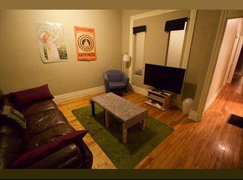 EasyRoommate CA - Appartement Cosy sur le Plateau - Le Plateau-Mont-Royal, Montréal - $550 pcm