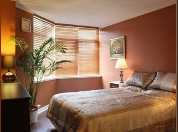 EasyRoommate CA - Short Stay Weekly Rental At Square One Mississauga - Mississauga, South West Ontario - $600 pcm